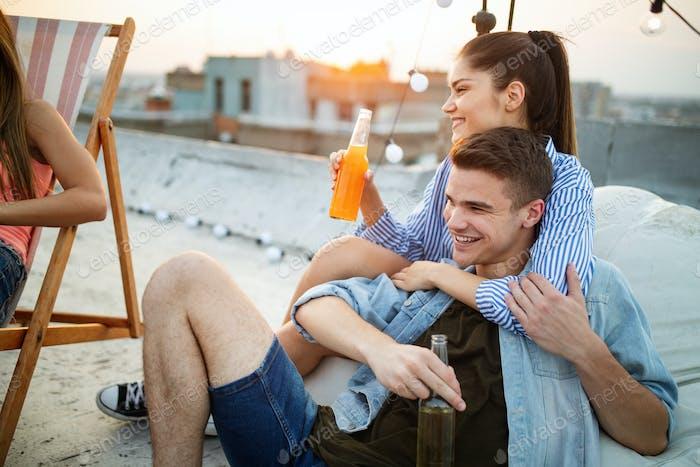 Ilmainen online dating site avio liitto