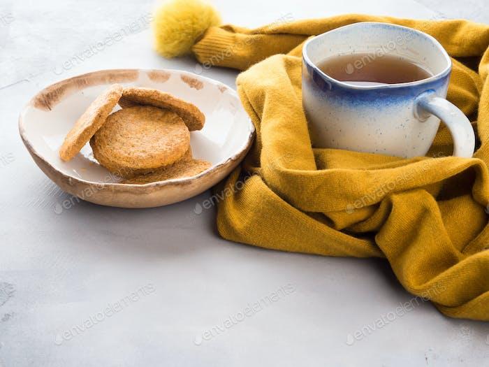 Concept alimentaire réconfortante d'hiver avec thé