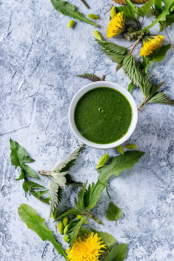 Spring nettle and dandelion smoothie