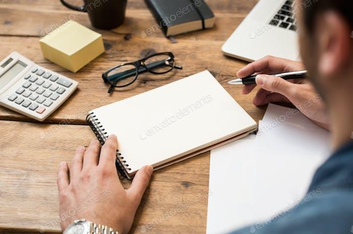 Schreiben auf Papier