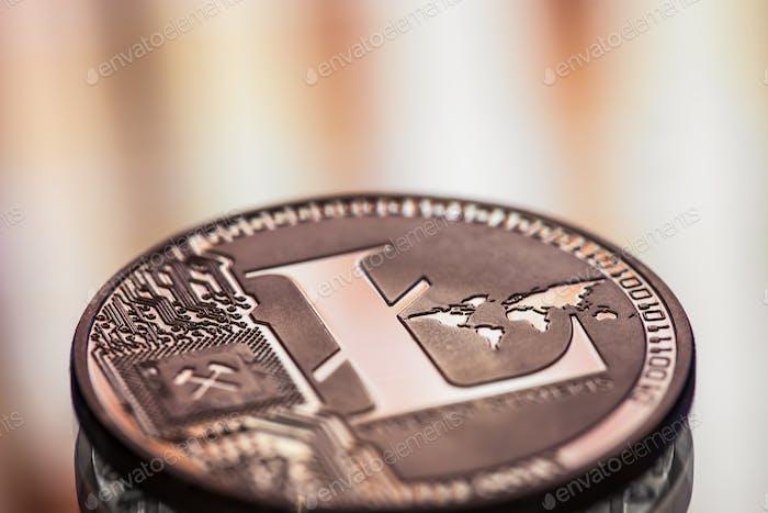 Coin Litecoin Nahaufnahme auf einem schönen Hintergrund.