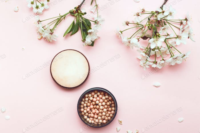Set of decorative cosmetics for make-up powder balls and