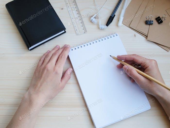 Büro-Briefwaren Schreibtisch kreative Werkstatt
