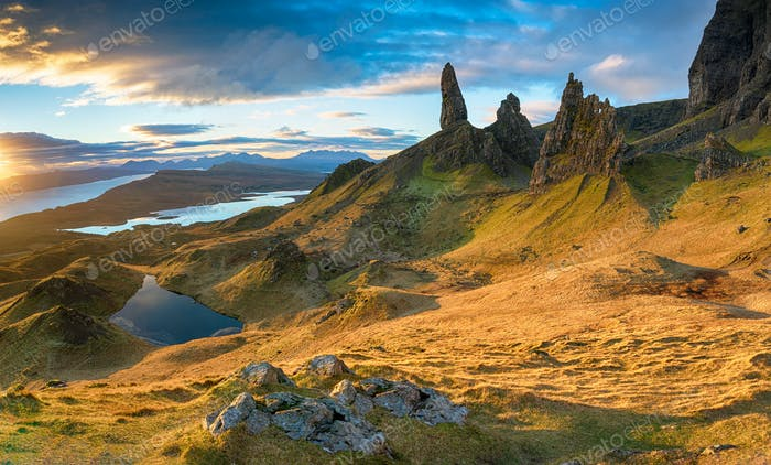 Stunning sunrise over the Old Man of Storr