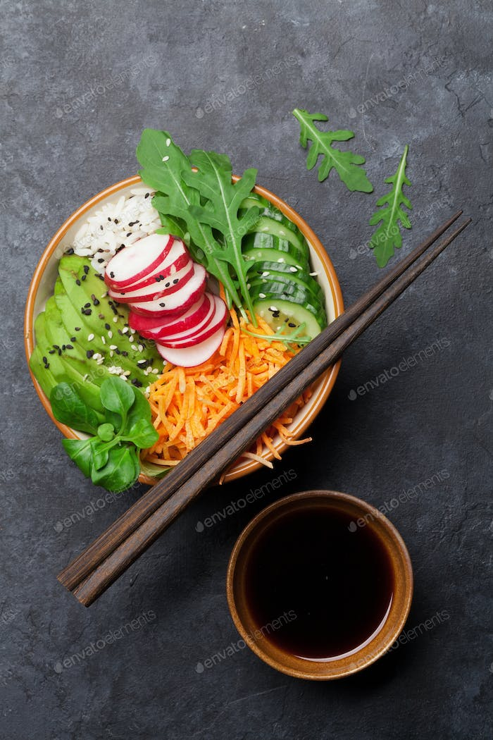 Poke bowl with vegetables