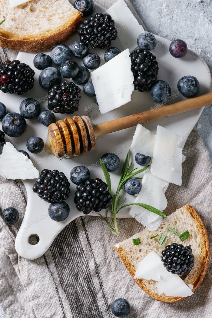 Berries, honey and rosemary
