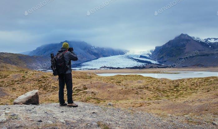 Fotograf malerische Lage in Island. Bewunderung der Schönheit