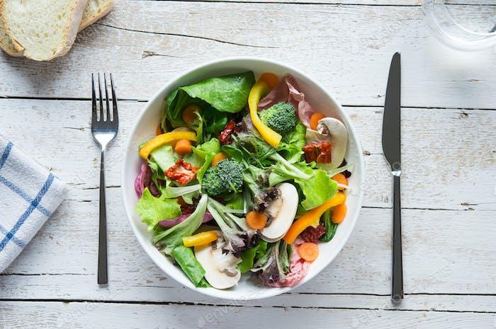 Frische Salatschüssel