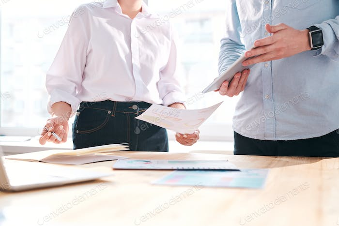 Discussing financial papers