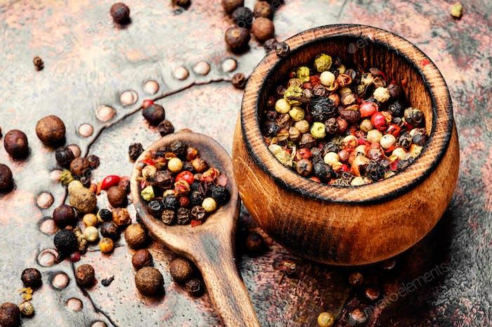 Spice-pepper peas or peppercorn