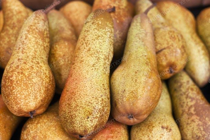 Fresh pears on display at an Italian farmers' market