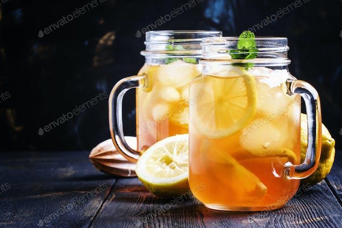 Ice black tea with lemon and mint