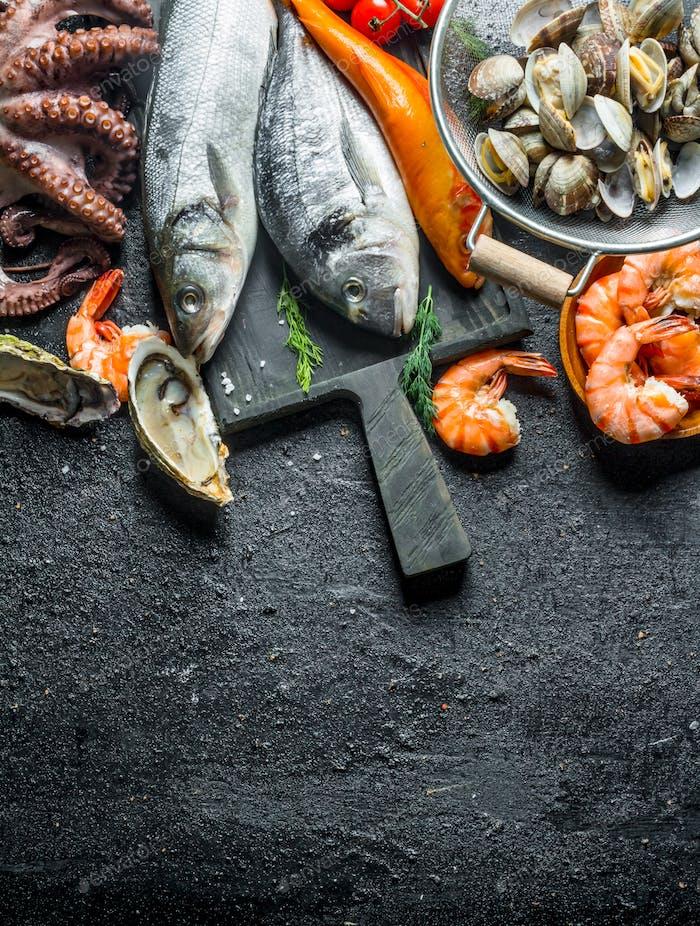 Auswahl an frischen Meeresfrüchten.