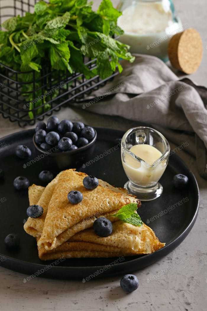 Thin Pancakes with Blueberries