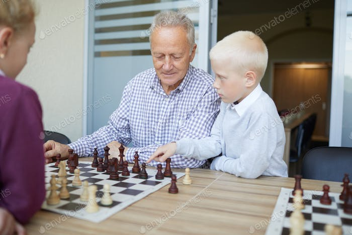 Suggesting chess move