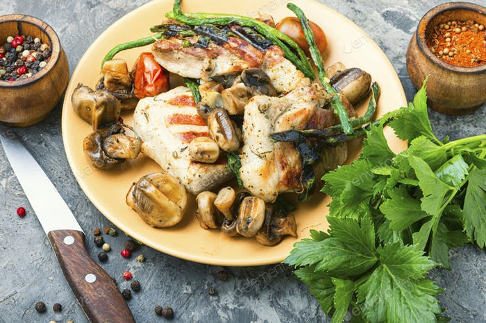 Grilled meat with mushrooms