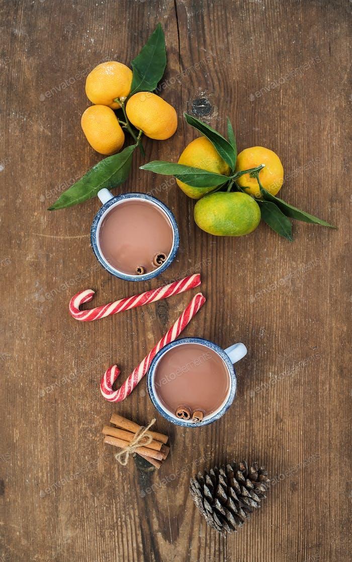 Weihnachten oder Neujahr Attribute. Frische Mandarinen