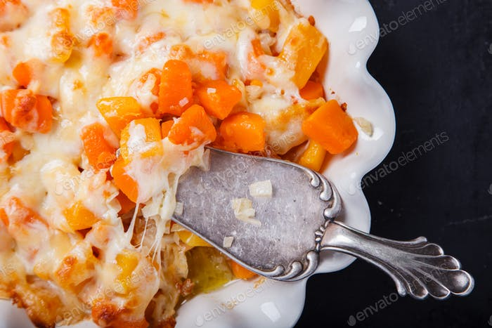 Auflauf von Kürbis mit Zwiebeln und Käse. Schritt für Schritt Rezept 4