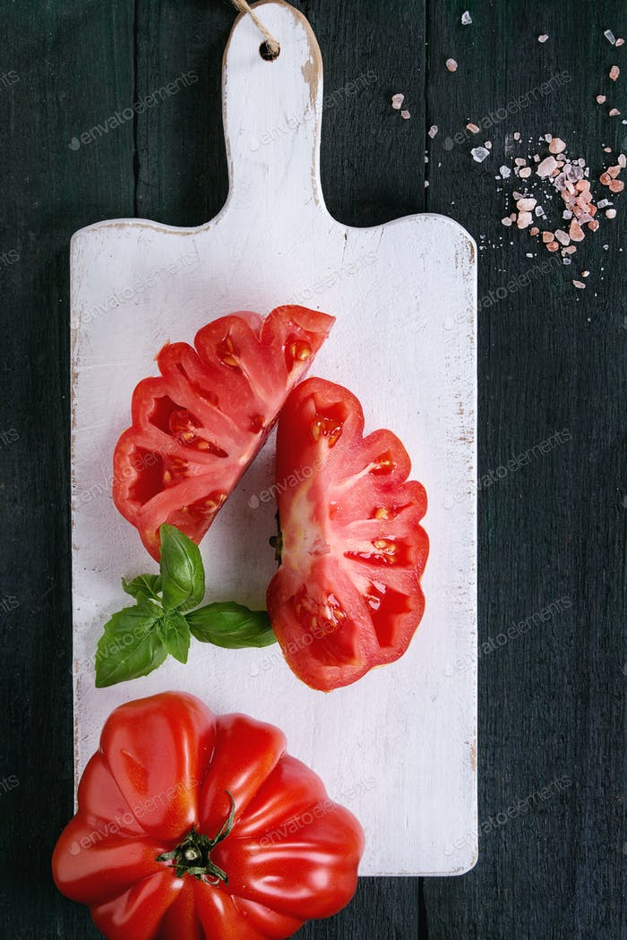 Tomatoes Coeur De Boeuf. Beefsteak tomato