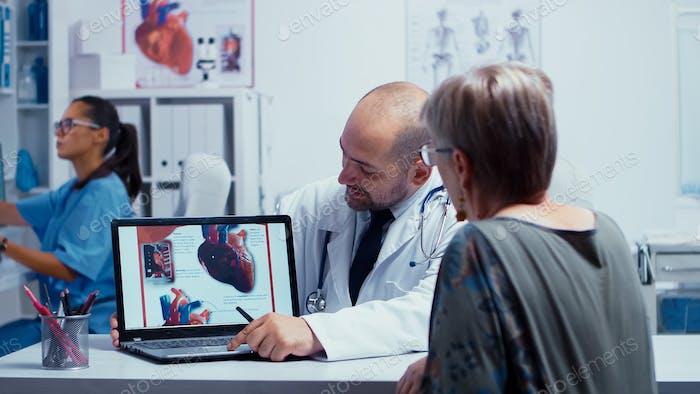 Besuch beim Kardiologen