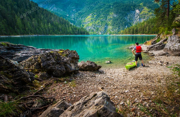 Tour pittoresque du lac en kayak