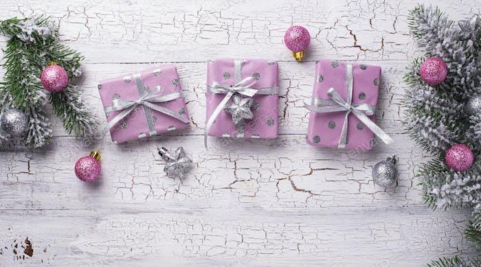 Weihnachten Hintergrund mit rosa Geschenkbox