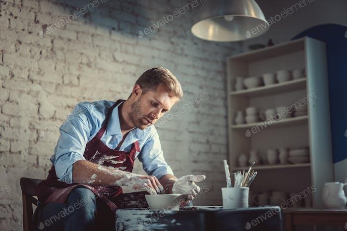 Arbeiter in Keramik