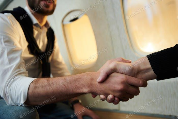 Handshake in Plane