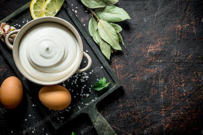 Mayonnaise with Bay leaf, eggs and garlic.