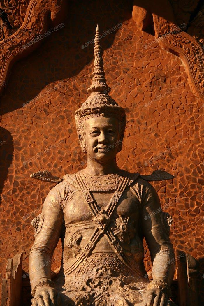 Skulptur - Wat Phnom, Phnom Penh, Kambodscha