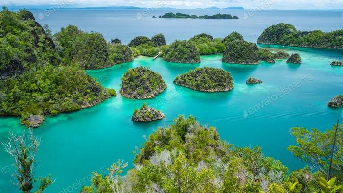 Painemo Island, Blue Lagoon, Raja Ampat, Westpapua, Indonesien