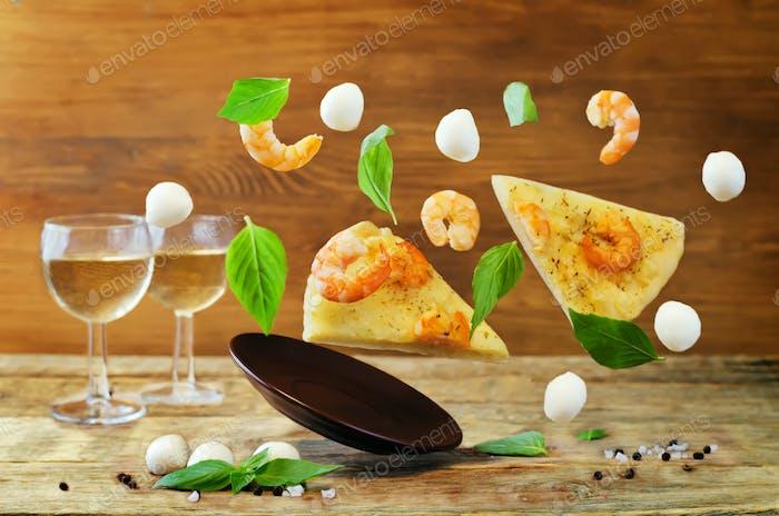 Flying Shrimp garlic cheesy pizza