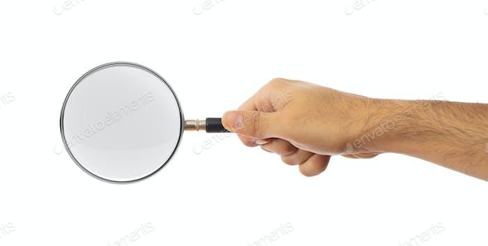 Suchkonzept. Lupe auf einer Handfläche isoliert auf weißem Hintergrund, Clipping-Pfad