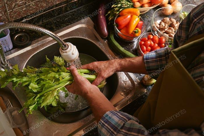 Washing celery