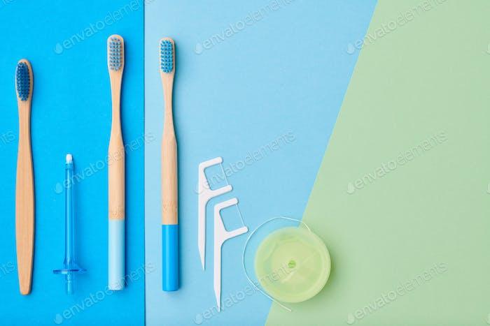 Zahnbürsten und Mundpflegewerkzeuge
