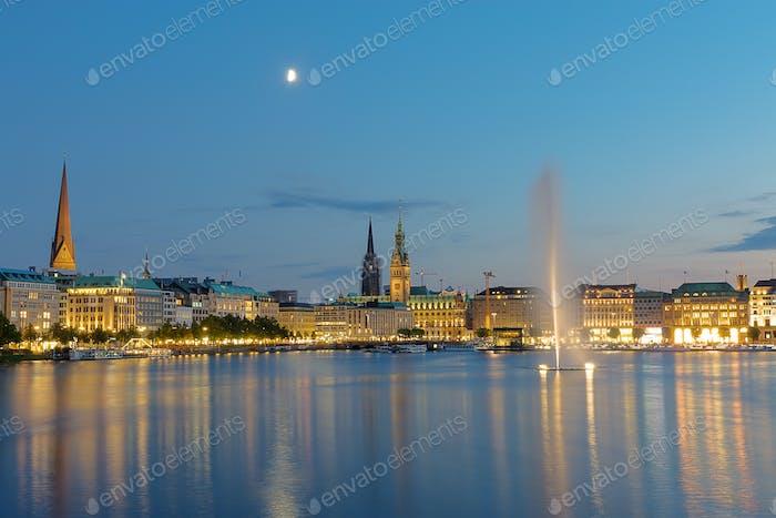 Das Zentrum von Hamburg in der Morgendämmerung