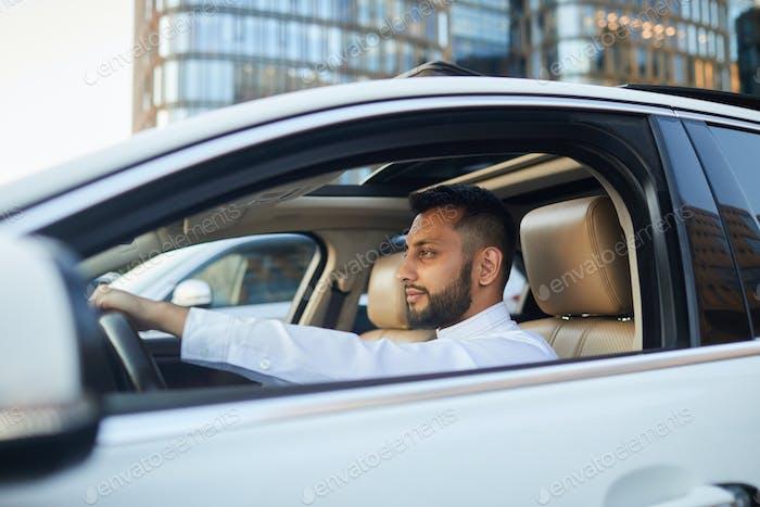 Fahrer fahren Auto