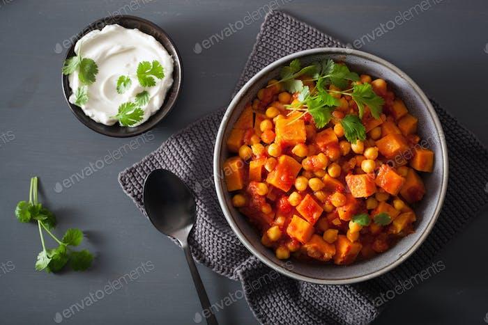 Süßkartoffel und Kichererbsencurry