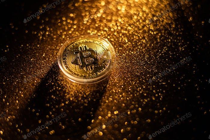 oro concepto de dinero virtual Bitcoin.