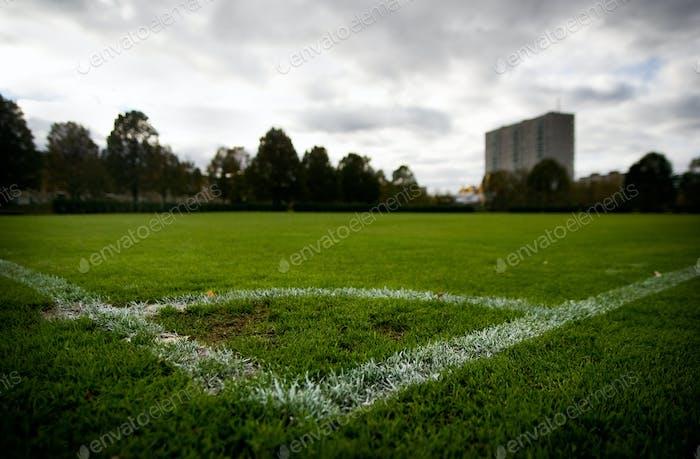 Eckmarkierung auf Fußballfeld