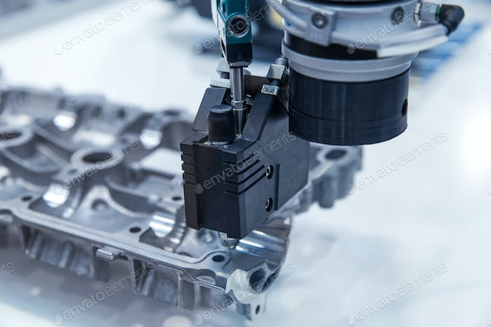 CNC Machine/Robotic arm for silicone injection on cylinder head cover