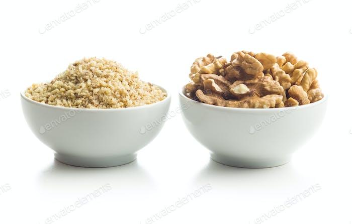 Gefräste und ganze Walnüsse Kerne.