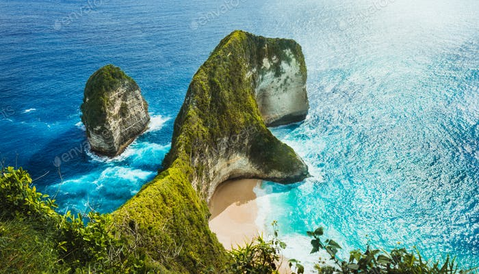 Panoramic shot of Manta Bay or Kelingking Beach on Nusa Penida Island, Bali, Indonesia