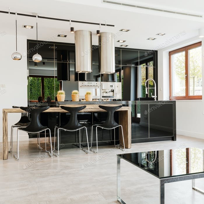 Open kitchen with high-gloss cabinets