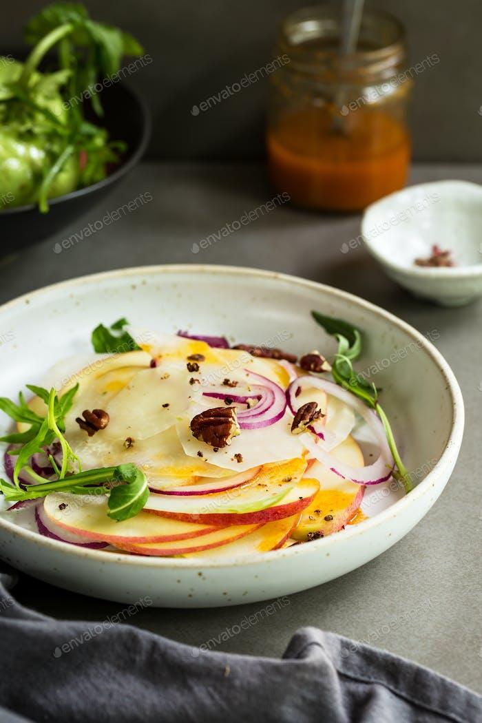Kohlrabi with Apple and Rocket Salad