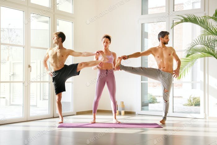 Assistance for extended hand-to-big-toe pose