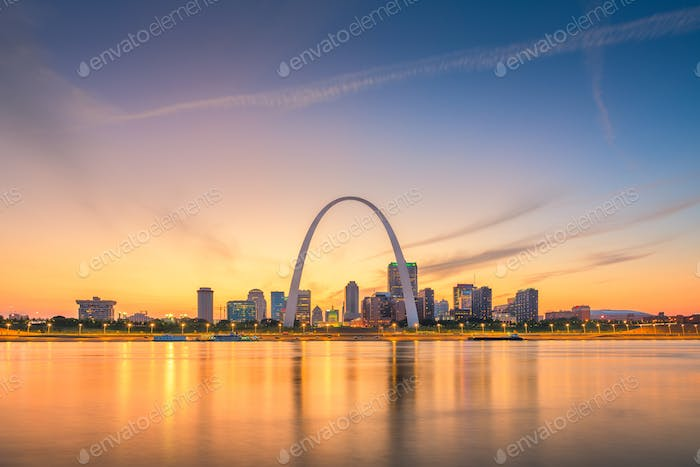 St. Louis, Missouri, USA downtown cityscape on the river