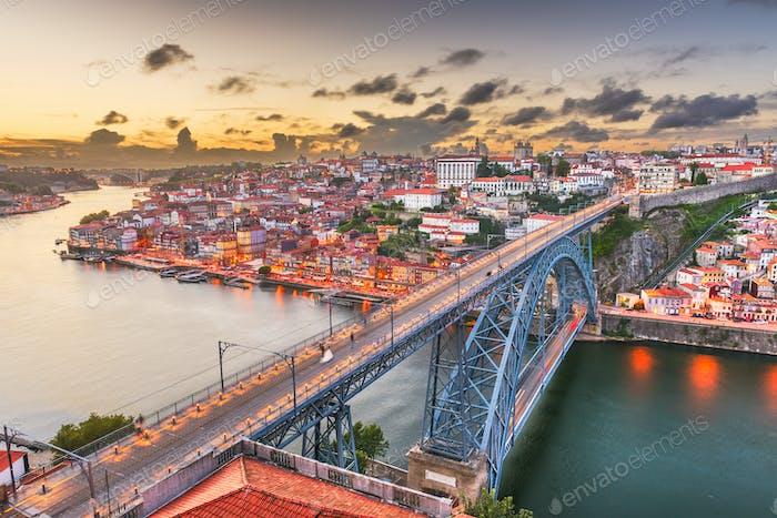 Порту, Португалия Skyline