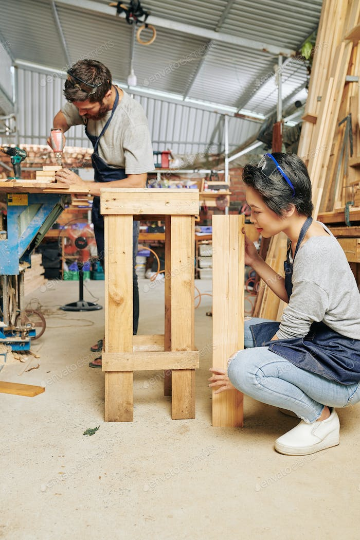 Carpenter assembling stool