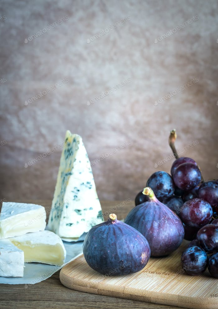 Camembert, figs and grapes